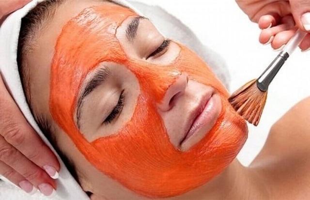 Cách làm mặt nạ cà chua trị mụn