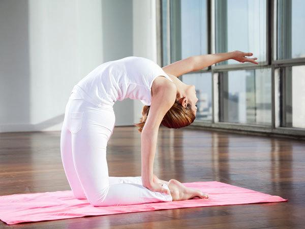 tap-yoga-co-tac-dung-tri-mun-trung-ca-khong