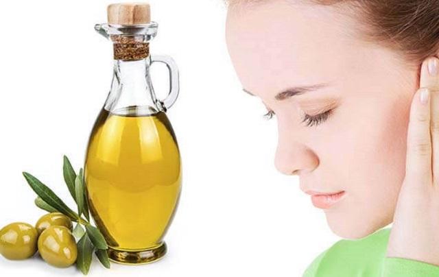 Chăm sóc da mặt bằng dầu oliu
