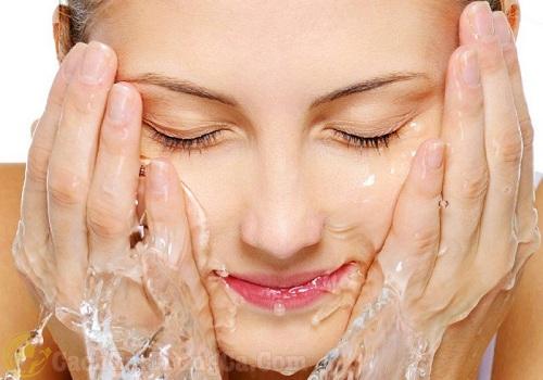 cách chăm sóc da sau khi lăn kim