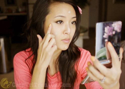 Cách chăm sóc da sau khi nặn mụn ở Spa
