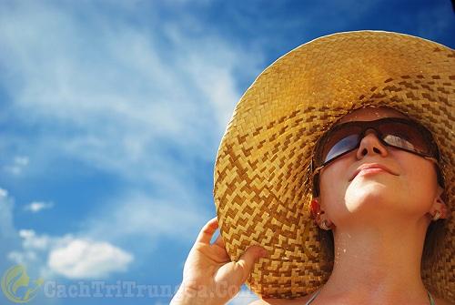 Hướng dẫn cách chăm sóc da sau khi nặn mụn ở Spa