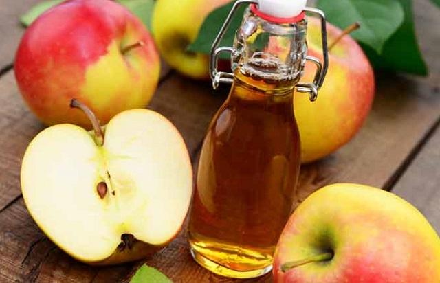 Trị sẹo thâm bằng giấm táo