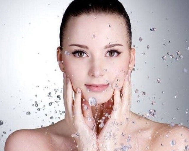 Cách điều trị mụn ẩn dưới da