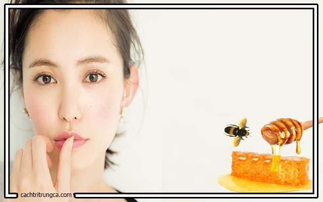 Mẹo trị mụn đầu đen tại nhà với mật ong