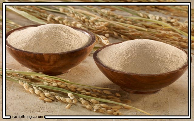 Cám gạo chữa mụn đầu đen