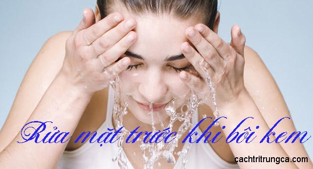 bị mụn có nên dùng kem dưỡng ẩm
